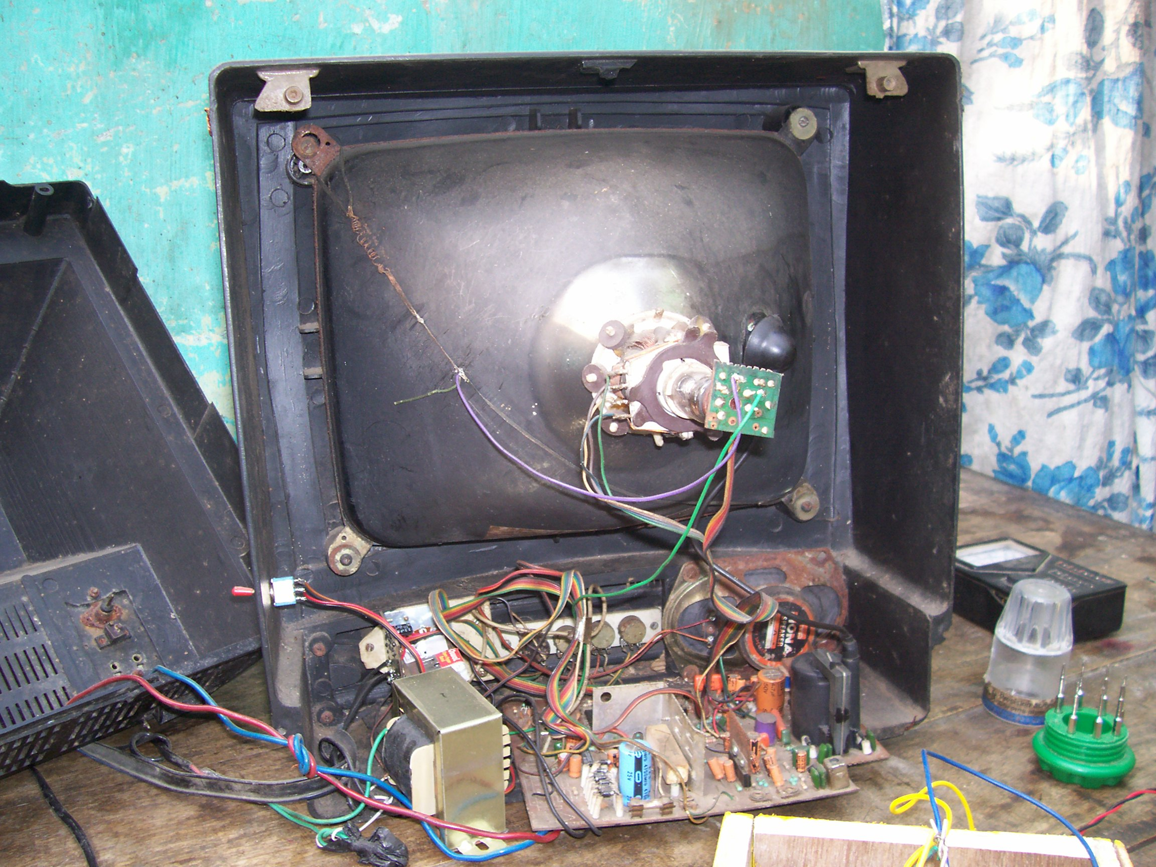 Television Tube Circuit Diagram Free Download Colour T V Picture Charger Rat Trapping Machine And Many Other Ideas Samsung Tv